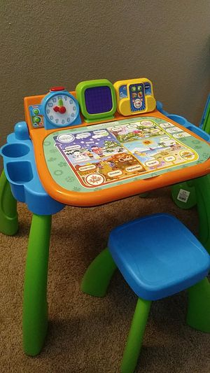 Vtech touch and learn activity desk for Sale in Ridgefield, WA