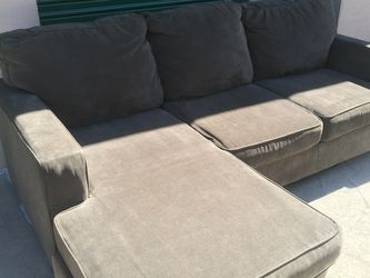 Grey Sectional Couch Reversible Chaise *FREE DELIVERY* for Sale in San Diego,  CA
