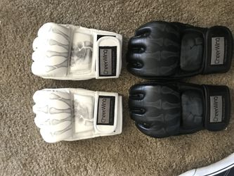 Ufc gloves for Sale in Santee,  CA