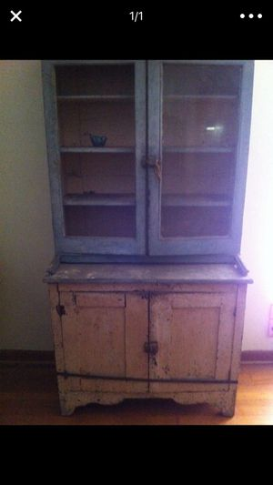 Antique distressed china cabinet\butlers pantry. for Sale in Houston, TX
