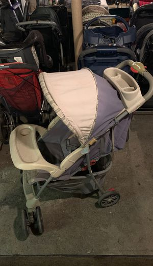 One hand fold baby stroller for Sale in Buffalo, NY