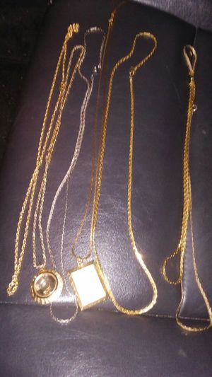 7 Chains & 2 braclets for Sale in OH, US