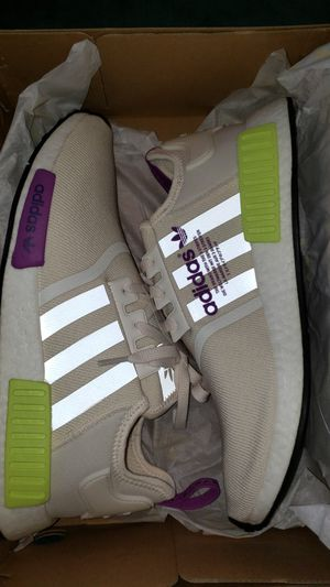 Adidas Nmd R1 Size 10.5 for Sale in St. Petersburg, FL