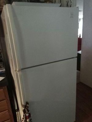 Whirlpool refrigerator for Sale in Kolin, LA
