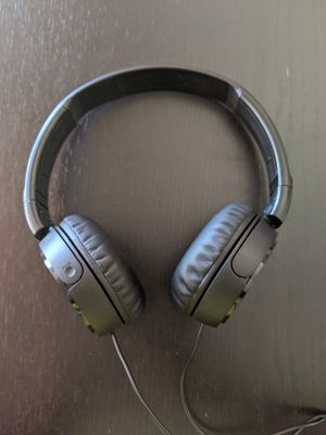 Sony noise cancelling headphones for Sale in Sacramento, CA