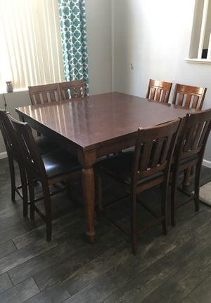 8 chair high barstool kitchen table for Sale in Las Vegas, NV