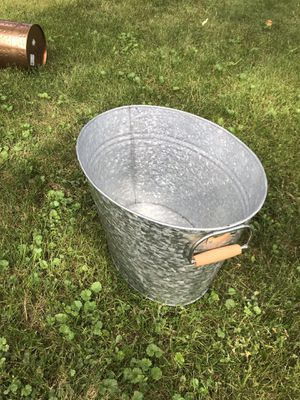 Oval tin for Sale in Pine River, MN