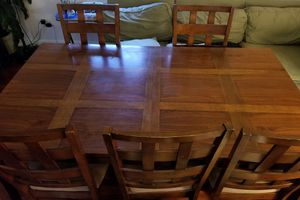 Dining table with 5 chairs for Sale in Chicago, IL