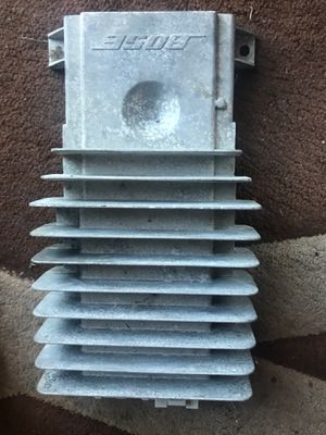 Bose amp, oem escalde radio will fit 99-07 Gm cars, all 4 Bose speakers for Sale in Los Angeles, CA