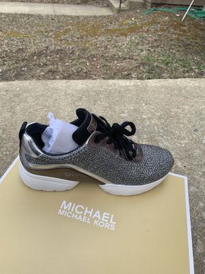 Michael kors shoes NEW for Sale in Baltimore, MD