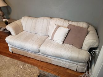 White Couch for Sale in Pittsburgh,  PA