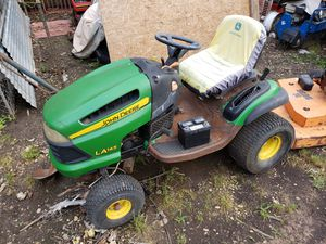 John Deere tractor for Sale in Dallas, TX