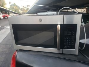 GE. Over-the-Range Microwave (Stainless Steel for Sale in Buena Park, CA
