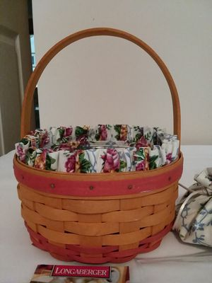 Longaberger 1998 Mother's Day Basket & Accessories for Sale in Brunswick, OH