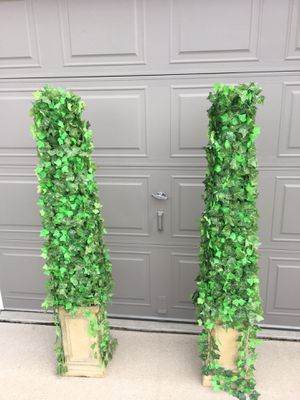 Topiaries 5' - like new for Sale in Castle Rock, CO