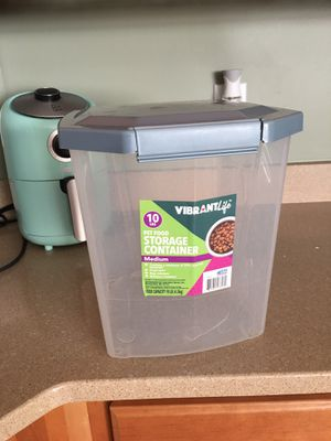 10 LB Food Storage Container for Sale in Raleigh, NC