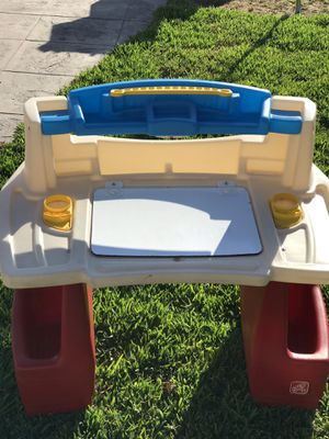 kids art desk for Sale in Riverside, CA