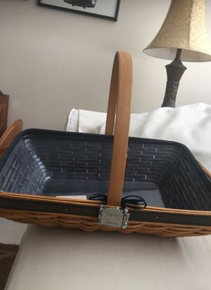 Longaberger Basket ( Pompano Beach 33069 for Sale in Pompano Beach, FL