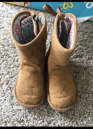 Toddler girls boots size 6... for Sale in Manassas, VA