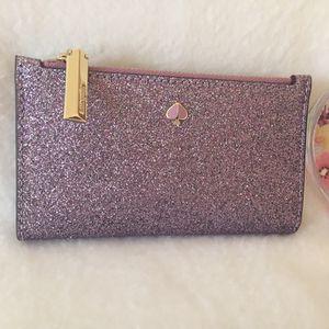 Kate Spade Brand New Bifold Wallet for Sale in Fieldsboro, NJ