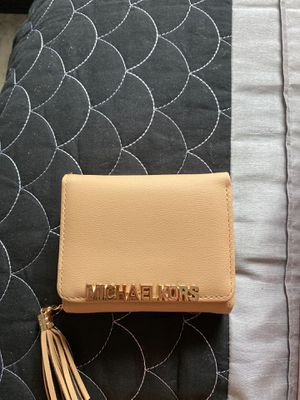 Wallet michael kors for Sale in Orlando, FL