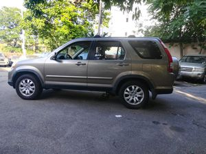 Honda crv 2006 is 4 cylinders clean with 275k one owner for Sale in North Providence, RI