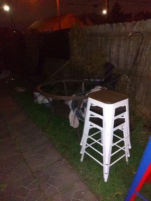 3 white stools for Sale in Wyandotte, MI