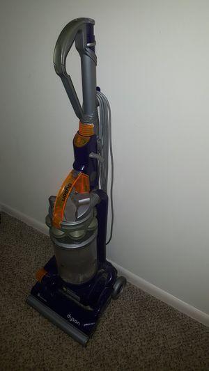 Dyson vacuum for Sale in Saint Petersburg, FL