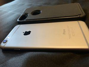 iPhone 6 50$ everything works just screen crack for Sale in Lakewood Township, NJ