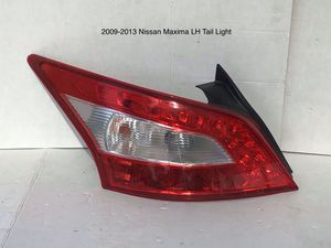 2009-2013 Nissan Máxima Driver Side Tail Light for Sale in Jurupa Valley, CA
