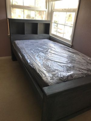 TWIN SIZE BED (MATTRESS INCLUDED) for Sale in South Gate, CA