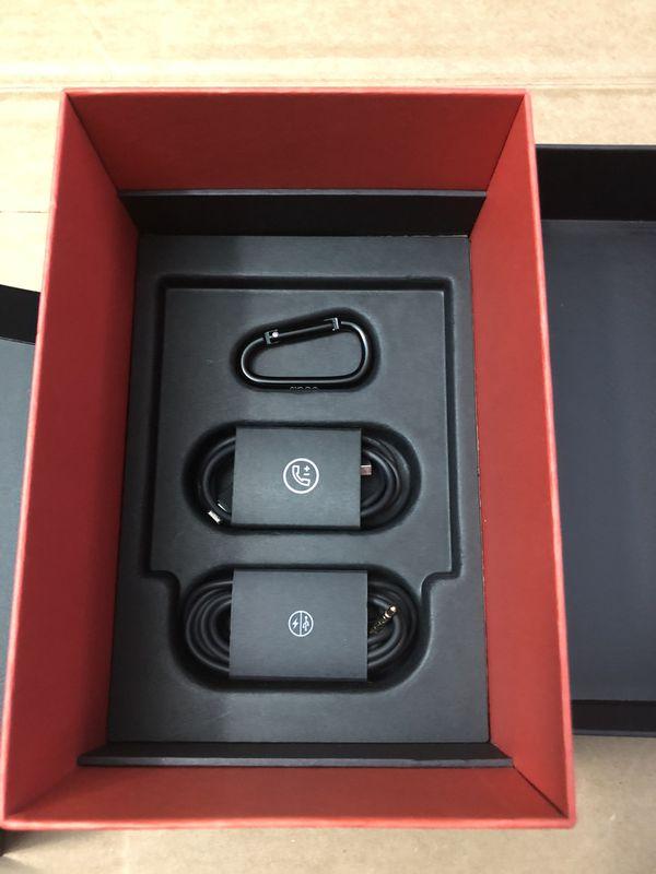 Beats Solo3 Wireless Bluetooth Headphones Black