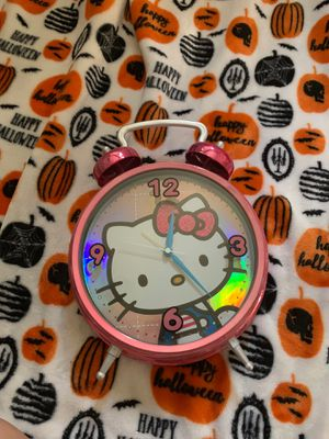 HELLO KITTY CLOCK for Sale in San Antonio, TX