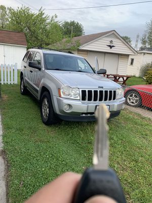 05 Jeep Grand Cherokee for Sale in Dundalk, MD