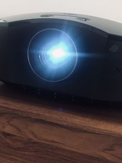 Sony Full HD SXRD Home Cinema Projector [VPL-HW45ES] for Sale in Los Angeles,  CA