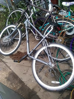 Milano Bike ,Schwinn Gateway Bike for Sale in New Orleans, LA