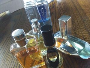 4 perfume bottles& 1 cologne for Sale in Reedley, CA