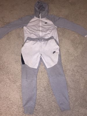 Men's Nike Sweatsuit Size Small More Then Half Off Orig Price for Sale in Vienna, VA