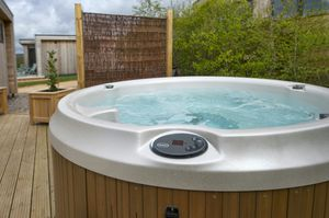 Jacuzzi j200 spa for 2-4 for Sale in Los Angeles, CA