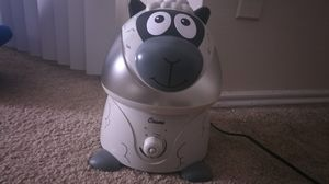 Crane adorable ultrasonic cool mist humidifier for Sale in Irving, TX
