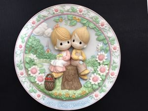 "Precious Moments Sculpted 3D Plate ""Love One Another"" for Sale in Irvine, CA"