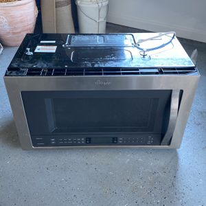 Whirlpool Gold Series Over-the-Range Microwave for Sale in Alpharetta, GA