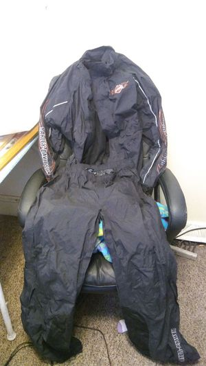 Harley Davidson Helmet and rain suit for riding for Sale in Kalamazoo, MI