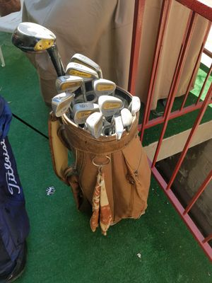 Right handed lynx golf clubs and bag for Sale in Los Angeles, CA