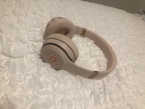 Beats Wireless Bluetooth headphones for Sale in Tampa, FL