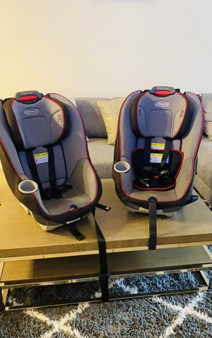 TWO Graco infant car seat for Sale in Miami, FL