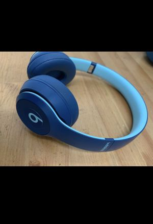 Beats Solo 3 for Sale in San Diego, CA