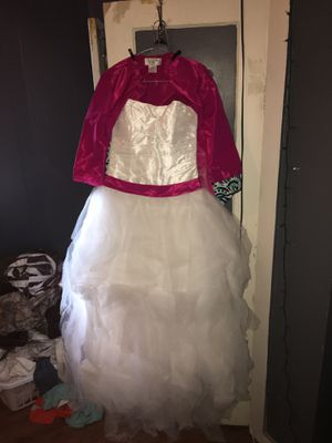 Wedding dress size 12 to 16. With a bridesmaid dress size 10 for Sale in Webb, AL