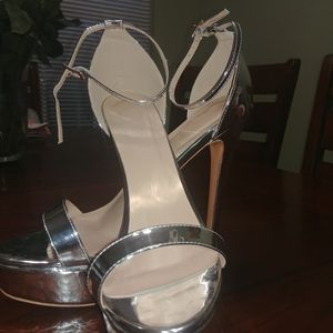 Lishan Ankle Strap Platform Heels for Sale in Murfreesboro, TN