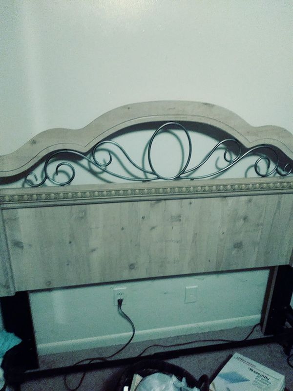 Queen Bedroom Set For Sale In Birmingham Al Offerup